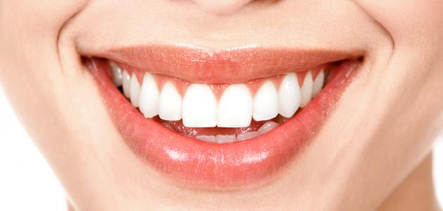 كيفية جعل الاسنان ناصعة البياض