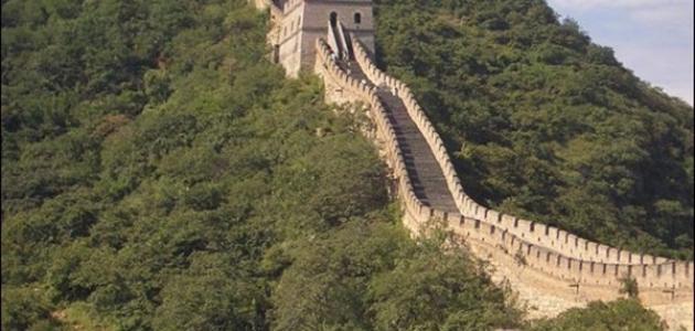كم يبلغ طول سور الصين العظيم موقع مصادر
