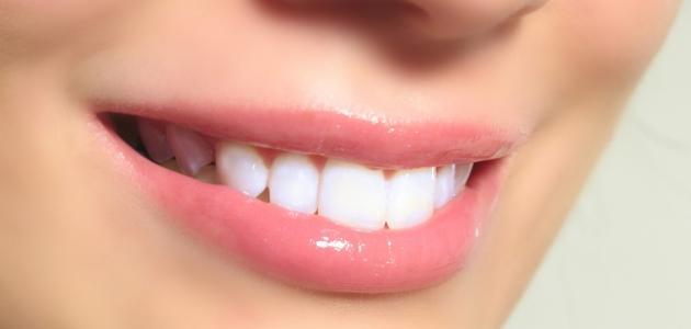 كيفية تبيض الاسنان بسرعة