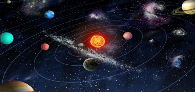 دوران القمر حول نفسه وحول الأرض