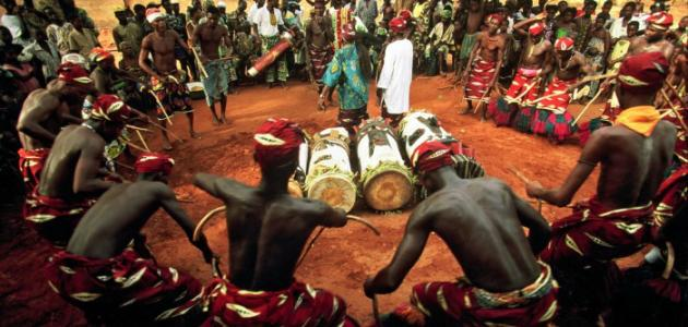 مفهوم العادات والتقاليد