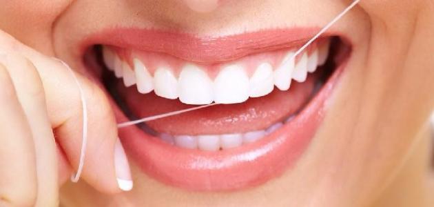طريقة سهلة لتبييض الأسنان