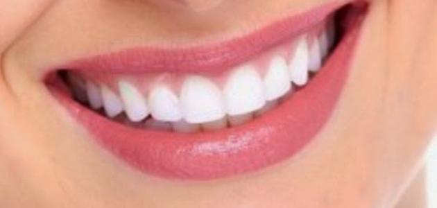 طرق منزلية لتبييض الأسنان