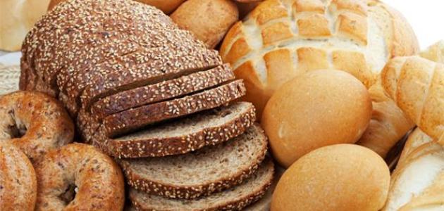 ما الفرق بين الخبز الأبيض والأسمر - فيديو