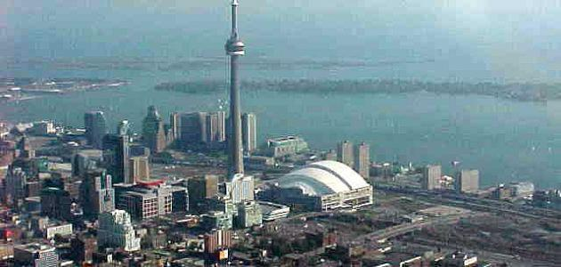 أين تقع تورونتو موقع مصادر