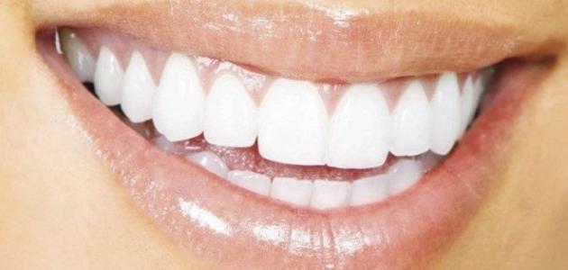 طرق تبييض الأسنان في البيت