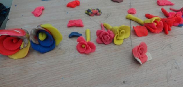 صنع أشكال من الصلصال