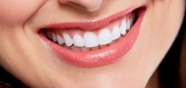 طريقة لتبييض الأسنان في يوم واحد